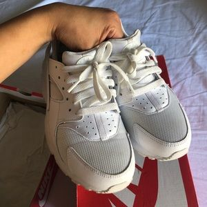 Nike Hurachees